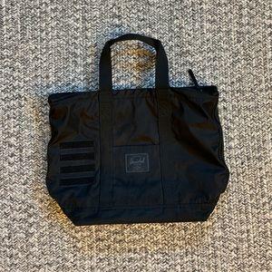 HERSHEL Tote Bag (Oversized)